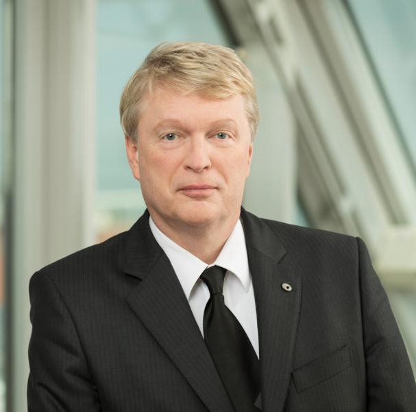 Mag. Dietmar Hoscher, Vorstandsvorsitzender der MTB Privatstiftung; Bild: © Casinos Austria AG