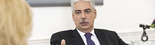 Finanzminister Hans-Jörg Schelling betonte, die Vorgehensweise bleibe wie gehabt. © BMF