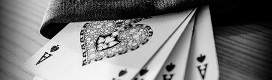 Viele der naiven Helfer/Strohmänner, welchen schnelles Geld ohne Risiko versprochen wurde, stehen nunmehr mit leeren Taschen und ohne Anwaltshilfe pudelnackt vor den strafenden Behörden. © Spieler-Info