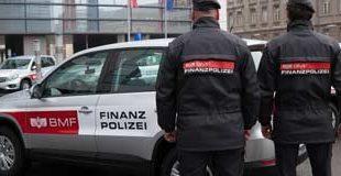 Tiroler Tageszeitung / Illegales Glücksspiel: Polizei riss bei Razzia in Kufstein Mauer ein
