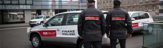 Die Finanzpolizei im Großeinsatz © BMF via flickr CC BY 2.0 (Ausschnitt)